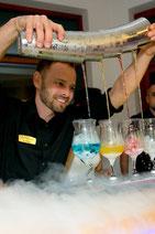 barman na wesele barmani na imprezę cena barmana pokaz barmański barman flair