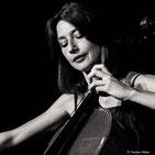 """Raphaële Murer, violoncelliste, intervenant dans la formule """"Musiques du Monde"""""""