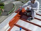 屋根塗装:サビ止め塗布作業