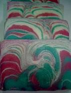 Ziegenmilch in rosa und grün