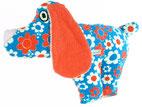 Hund Oskar - handgefertigt aus Frottee Stoffen. Stylischer Retrolook mit den wilden Farben der 70er