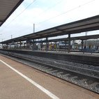 Foto zeigt Bahnsteige am Bahnhof Ansbach