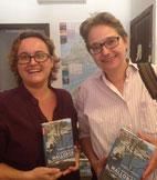 Buchhändlerin  Bettina Höner und Brigitte Lamberts