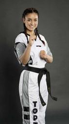 Sofia Hariga Blackbelt Kickboxen