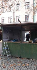 Holzringe von Patrizia Mohr Schwabinger Weihnachtsmarkt Budenaufbau