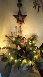 Die Wohnung ist in Weihnachtsstimmung