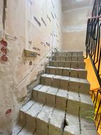 Treppenrenovierung Betontreppe frei gelegt, Holztreppe renovieren, Treppensanierung einer Betontreppe mit Massivholztreppenstufen in Eiche
