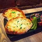 Knoblauch- oder Chili-Brot