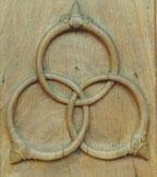 Triquetra, anneaux de Borromée, trépied de la vie.