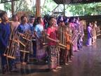 子供たちによる演奏(西ジャワ地方バンドゥンにて)