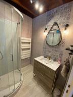 Douche et toilette se feront dans une ambiance très agréable.