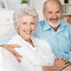 glückliches Senioreneheppaar