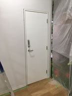テンキー付きドア
