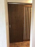 オイル塗装のドア