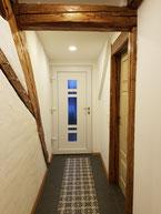 Blick vom Schlafzimmer Richtung Außentür