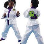 Die Lil Dragon Karate Anzüge sind ideal für Kinder in München