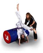 Spielerisch lernen Kinder am einfachsten in der TOWASAN Karate Schule in München