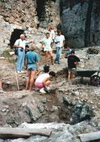 Chantier de fouilles du château de Baulx
