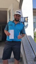 Tim van Aken Nettosieger mit 72 Netto-Punkten - Foto Nippenburg Golfclub GmbH