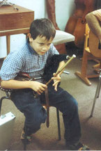 Jonas Heidebrecht (9 J.) spielt auf Uilleann Pipes - Practice set in e von Kannmacher & Reusch.