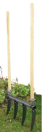 Grelinette, Broadfork, Doppelgrabegabel - drei Namen für das gleiche Gartengerät bei www.the-golden-rabbit.de