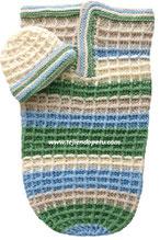 Capullo o cocoon y gorrito para bebés tejidos en waffle crochet