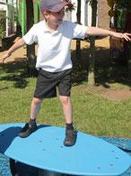 surf giochi per parco, giochi per parchi, attrezzature per parchi gioco, strutture ludiche Stileurbano Ciuffo Baobab certificati Norma EN1176 CATAS stileurbano oratorio FOM odielle abbiategrasso