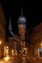 Schlosskirche in der Weihnachtszeit - An ihr hat Martin Luther 1517 die 95 Thesen angeschlagen.