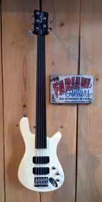Warwick Rockbass Streamer std. 5 Saiter,  Fretless Bass, E Bass, Fabiani Guitars Calw, Tübingen, Nagold, Herrenberg, Stuttgart, Pforzheim, Karlsruhe
