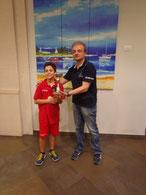 Riccardo Natoli premiato dal presidente Battaglia