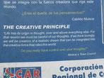 Lebensweisheiten säumen den Weg um die halbe Laguna de Guatavia und  machen nachdenklich
