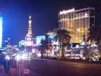 ... ziehen die halbe Nacht am Strip entlang durch die Casinos...