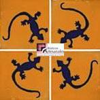 Azulejo Talavera modelo Lagartija Azul/Mostaza en 10.5 x 10.5 cm, ideal para baños y cocinas mexicanas lo encuentras en Rústicos Artesanales visítanos en nuestra web www.rusticosartesanales.com