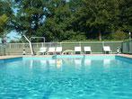 location-vacances-Lot-piscine-chauffée-cloturée-Détente