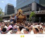 b' さん:神田祭
