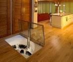 7. Viereckige Bodenklappe aus Glas
