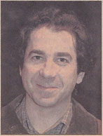 1986. Ángel Hervás Guerrero, asesor fiscal de 35 años, ha madurado también con el grupo al que pertenece desde los años ochenta.