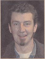 1988. Pedro Irulegui León, diseñador gráfico de 34 años, compagina su afición teatral con su actividad como creador de carteles.