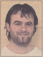 1983. Sergio Casi Larrión, operario de 36 años, colabora como técnico de sonido y es del grupo desde su fundación, en 1983.