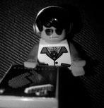 Einfache Entscheidung, Alles außer Binnenschifffahrt, Anne Büttner, Autorin Anne Büttner, Kurzgeschichten, DJ Story, Venga Boys, Literatur Berlin, Literaturblog,Wordever