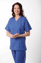 Bild: Dr. med. Kathrin Gatscher in OP-Kleidung