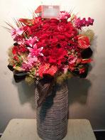 アレンジメントフラワー(楽屋花)を恵比寿ガーデンホール・ルームにお届け。楽屋お見舞いや公演お祝い、開店お祝いにおすすめです。