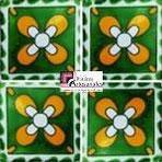 Azulejo Talavera modelo Moo Verde con Amarillo en 10.5 x 10.5 cm, ideal para baños y cocinas mexicanas lo encuentras en Rústicos Artesanales visítanos en nuestra web www.rusticosartesanales.com