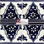 Azulejo Talavera modelo Sierra en 10.5 x 10.5 cm, ideal para baños y cocinas mexicanas lo encuentras en Rústicos Artesanales visítanos en nuestra web www.rusticosartesanales.com