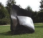 "Josef Nadj - Krankenhauspark Weißenhorn - Skulptur ""shelter me"""