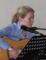 Sabrina Frank (vocal)