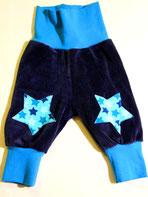 Lumpenprinzessin Babyhose aus Nicky mit Bio-Stoff Sterne blau. Nach dem Schnitt von Klimperklein. Handarbeit Nähen. Genähtes, hergestellt in Deutschland.