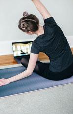 Yoga online live Zoom Konferenz Präventionskurs Gesundheitskurs