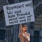 ケルンでの大量女性暴行事件への抗議