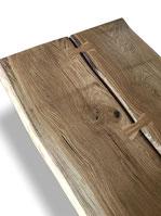 Detailbild Baumtisch mit Baumkante